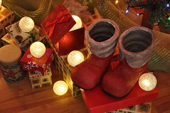 time to box it up (ladybugdiscovery) Tags: red smileonsaturday christmas boots light snowballs boxes redrules