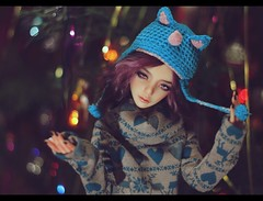 Well, anybody who wears a hat as stupid as this isn't in the habit of hanging around other рeople, is she? (noir_saint_lilith) Tags: dollphotography doll dollmore dollportrait zaoll zaollluv happynewyear bjd