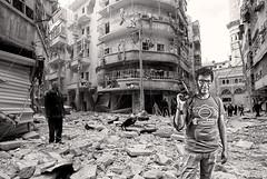 Milton at SYRIA-CRISIS/ (Marcos GP) Tags: aleppo syria syr mujer hombre marcosgp lima peru man war