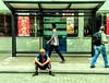 vou ficar aqui! (luyunes) Tags: gente rua cenaderua fotografiaderua fotoderua streetscene streetphotography streetshot streetphoto luciayunes motoz motozplay