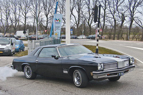 Oldsmobile Cutlass Supreme Colonnade Coupé 1975 (2578)