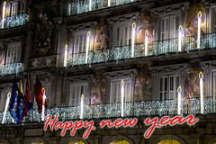 Happy New Year (ipomar47) Tags: happynewyear felizañonuevo heureusenouvelleannée glücklichesneuesjahr feliceannonuovo casadelapanaderia plazamayor bakeryhouse mainsquare navidad christmas noël madrid españa spain luz ligth noche nocturna nighttime evening 2017 pentax k3ii