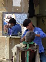 varanasi 2017 (gerben more) Tags: barber varanasi benares india men man mirror streetscene streetlife
