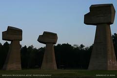 Bubanj memorial park (srkirad) Tags: niš naisus serbia srbija travel monument memorial ww2 huge big fists