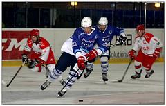 Hockey Hielo - 09 (Jose Juan Gurrutxaga) Tags: file:md5sum=6f64b473e7468423045c421d018f4326 file:sha1sig=5864725f84ec43fad3b5b3db5647b64674056934 hockey hielo ice izotz txuri txuriurdin jaca final copa