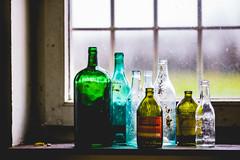 Flaschensammlung (hapequ1) Tags: flaschen fenster window stillleben gegenlicht