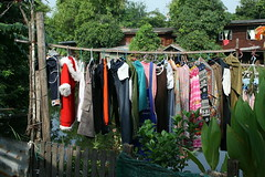 laundry (the foreign photographer - ฝรั่งถ่) Tags: laundry bamboo pole warm clothes santa outfit khlong thanon bangkhen bangkok thailand canon