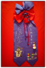 Stickkunst Schleife Winter (videamus) Tags: strickerei strickkunst weihnachten frohe frohes fest gesegnetes weihnachtsfest dekoration glück machen brav heimat deutschland herzen wärme lustig schneemann bergisches land stickerei heiterkeit umbeschwerlich freude schnee leise rieselt der snow lachender