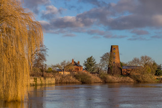 Carlton on Trent (revisited) Sunshine on a frosty day!!