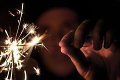 Sparkler (ericgöbel) Tags: firework silvester new year neujahr feuerwerk sparkler funken wunderkerze dark chemie hand