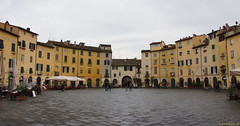 Lucca - Piazza Anfiteatro (Darea62) Tags: lucca square town history architecture anfiteatro piazza buildings ancient pavement tuscany toscana city circus circle renaissance