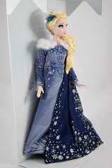 2017 Elsa Limited Edition 17 Inch Doll - Olaf's Frozen Adventure - Disney Store Purchase - Covers Off - Full Left Front View (drj1828) Tags: disneystore limitededition doll 17inch frozen olafsfrozenadventure collectible 2017 elsa boxed purchase