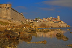 Il rifugia di Picasso / Picasso's Retreat (Antibes, Côte d'Azur, France) (AndreaPucci) Tags: antibes côtedazur france andreapucci picasso longexposure castle oldtown mediterranean sea