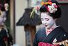 Greeting (walkkyoto) Tags: traditional 伝統 kamishichiken 上七軒 maiko 舞妓 geiko 芸妓 kyoto 京都 japan 日本 ef135mmf2lusm