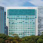 The facade of Tokyo Shiodome Building (東京汐留ビルディング)