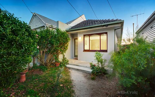34 Rossmoyne St, Thornbury VIC 3071