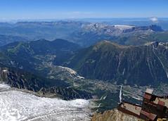On top of the Aiguille du Midi. Chamonix. (elsa11) Tags: chamonix aiguilledumidi leshouches hautesavoie rhonealps montblancmassif glacierdesbossons gletscher gletsjer glacier lebrévent rochersdesfiz