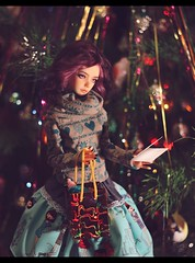 Well, anybody who wears a hat as stupid as this isn't in the habit of hanging around other рeople, is she? (noir_saint_lilith) Tags: dollphotography doll dollmore zaoll zaollluv bjd happynewyear