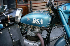 Vintage BSA (Eric Flexyourhead) Tags: amerikamura amemura アメリカ村 chuo chuoku 中央区 osaka osakashi 大阪市 kansai 関西地方 japan 日本 city urban detail fragment bike motorbike motorcycle british bsa fueltank vintage retro old weathered worn patina blue faded sonyalphaa7 zeisssonnartfe55mmf18za zeiss 55mmf18
