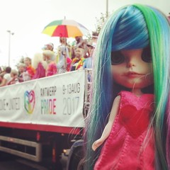 Rivea at Antwerp Pride 2017 (madtwinsis11) Tags: blythe christmas mymadmerrymaiden myplasticfabtasticfamily rivea custom fake iris antwerp antwerppride2017 rainbow