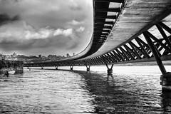 Viaduto do Cais da Pedras (josebrito21) Tags: josébrito josebrito2 josébritophotography josébritofotografia josébritofotos blackwhite pretoebranco porto oporto riodouro portugal viaduto viadutocaisdaspedras