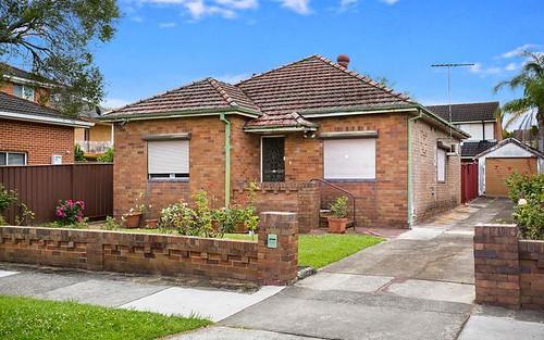 8 Dunstan St, Croydon Park NSW 2133