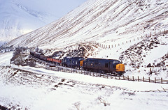 Fort William - Mossend freight (delticfan) Tags: 37090 37092 class37 countymarchsummit westhighland snow