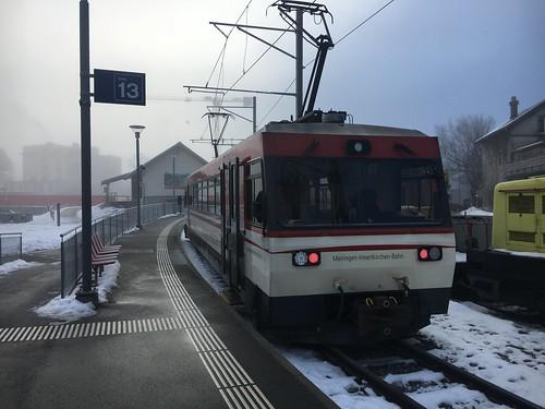 Be 4/4 8 der Meiringen-Innertkirchen-Bahn in Meiringen