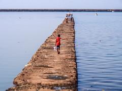 LR Mumbai 2015-186 (hunbille) Tags: birgittemumbai4lr india mumbai bombay colaba wtc worldtradecenter world trade center slum sea ocean beach