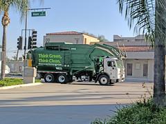 WM Garbage Truck 12-27-17 (1) (Photo Nut 2011) Tags: garbagetruck trashtruck sanitation wastedisposal waste california junk refuse garbage trash truck wastemanagement wm santaana orangecounty
