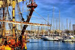 Port De Barcelona: El pirata (Fnikos) Tags: port puerto porto harbour sky skyline cloud sea water waterfront boat pirate sailboat vehicle barco ship outdoor