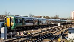 377149 (JOHN BRACE) Tags: 2002 bombardier derby built electrostar southern livery east croydon station 377149