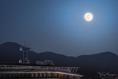 The Super Moon (tetsuyakatayama) Tags: moon fullmoon supermoon night nightscape nightview japan nagasaki