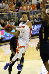 Chris Chiozza 11 Driving to the Rack (dbadair) Tags: floridaufgatorssecbasketballncato'connellcentergainesville florida unitedstates uf gators sec basketball ncaa o'connell center gainesville