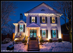 Christmas Snow at Home (MR MARK | photography) Tags: palisades alpharetta ga ge ambrose ave home snow christmas christmaseve christmassnow nightbeforechristmas wreaths colonial exterior