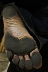 dirty feet - indoor 693 (dirtyfeet6811) Tags: feet foot sole barefoot dirtyfoot dirtyfeet dirtysole blacksole partyfeet