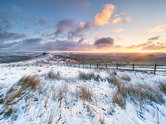 Mam Tor in winter (Stephen Elliott Photography) Tags: peakdistrict derbyshire hopevalley castleton mam tor snow sunrise winter dawn olympus em1 mkii 714mm kase filters