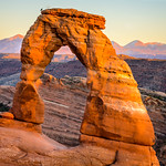 Delicate Arch at sunset thumbnail