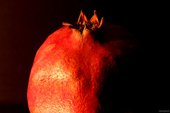 MM_Pomegranate crown - LitByCandleLight (fotowayahead) Tags: litbycandlelight macromondays pomegranate sidelit