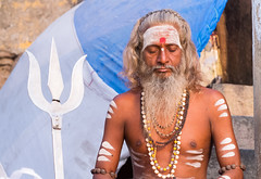 .. Shiva and Sadhu... Varanasi 2017 (geolis06) Tags: geolis06 asia asie inde india uttarpradesh varanasi benares gange ganga ghat inde2017 olympus hindu hindou religieux religious sage sadhu banaras