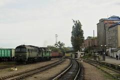 2M62 0327 on its way to the depot - Chernivtsi (berlinger) Tags: chernivtsiчернівці chernivetskaoblast ukraine ukrainianrailways 2m62ч 2m62 uz укрзалізниця ukrzaliznytsia train railways locomotive czernowitz