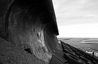 Morglawdd / Sea wall - Starr Gate