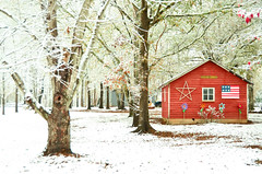 Red on White (Leo Hohmann) Tags: red barn winter scene snow georgia rural beauty farms christmastime christmassnow christmasinthesouth redbarn redbarninsnow leohohmannphotography vanishingsouth pictureque postcardperfect americana