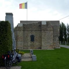 Oud-Stuivekenskerke (radio53) Tags: belgium vlaanderen wwi cycling dawes touring bicycle monument western front memorial