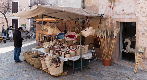 Pollenca market