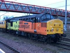 37254 CAMBRIDGE 050118 (David Beardmore) Tags: 37254 colasrailfreight colas networkrail testtrain class37 dieselengine dieselelectric diesellocomotive englishelectric vulcanfoundry britishrailways britishrail