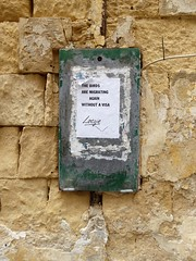 migrants (art crimes) Tags: malta vallentta urban deca beauty faded rusty