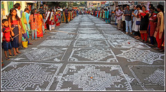 7485 - Kolam contest, Mylapore Festival 2018 (chandrasekaran a 44 lakhs views Thanks to all) Tags: india tamilnadu chennai mylapore culture heritage festivals tradition kolam travel competition pongal canon canoneos6dmarkii tamronef28300mm