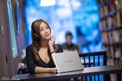 DSC_3938 (Robin Huang 35) Tags: 陳姿含 karry 板橋書店 書店 人像 portrait lady girl nikon d810 nb notebook sony vaio