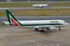 Alitalia Airbus A320-214 EI-IKL (EK056) Tags: alitalia airbus a320214 eiikl düsseldorf airport
